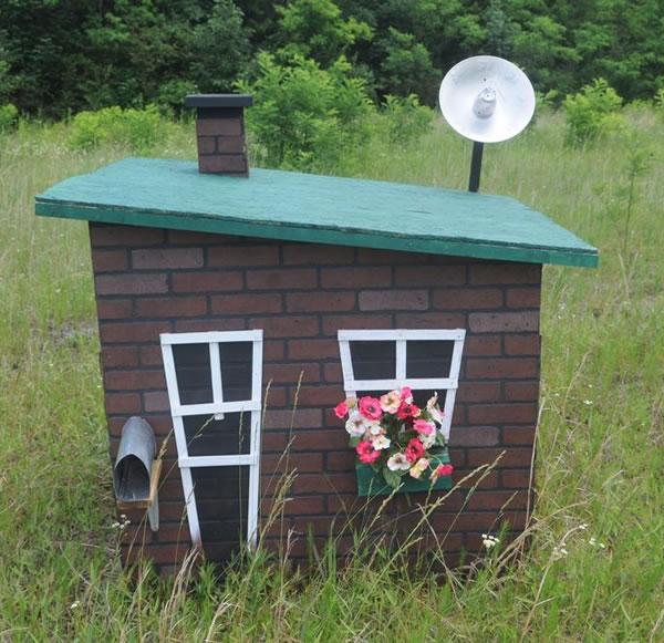 three-little-pigs-brick-house